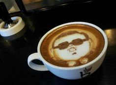 gangnam style latte art - The essence of a good cappuccino or latte, aside from the coffee beans itself, is in the creamy foam, which is the only way anything as detailed as. Latte Art, Coffee Latte, Coffee Cups, La Coffee, Sweet Coffee, Coffee Shop, Café Sexy, Psy Gangnam Style, Cappuccino Art