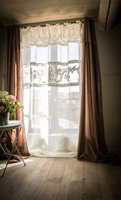 rideau confectionn dans un ancien drap avec r cup ration des broderies rideaux pinterest. Black Bedroom Furniture Sets. Home Design Ideas