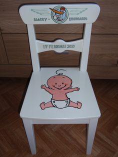 Dit is het eerste geboorte stoeltje dat ik geschilderd heb
