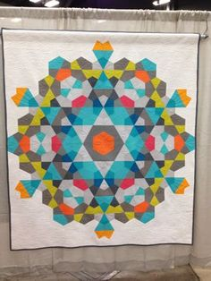 Bauble quilt at QuiltCon | Right Sides Together