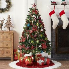 Enjoy instant, out-of-the-box Christmas spirit with the Pre-Lighted Decorated Christmas Tree This Canada Pine. Pre-Lighted Decorated Christmas Tree Features decorations with a warm and welcoming glow. Christmas Tree With Snow, Xmas Tree, Christmas Tree Decorations, Christmas Time, Holiday Decor, Holiday Time, Holiday Lights, Christmas Lights, Green Home Offices