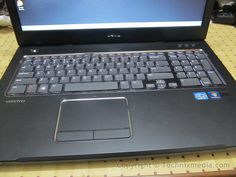 Dell Vostro v3570 Review Pictures....taken by technixmedia team     http://www.azoda.vn