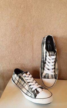 Graceland Sneakers weiß grau kariert.   Die Schuhe freuen sich darauf, endlich von jemandem ausgeführt zu werden. :)  #gra...