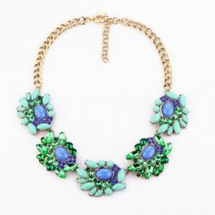Fashionable Lgiht Green Pendant Necklace