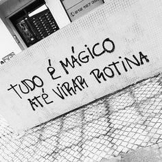 """1,029 curtidas, 5 comentários - André Augusto (@versosdanoite) no Instagram: """"Né? ✌❤ #versosdanoite #versos #frases #pensamentos #vida #amor #poema #poesia #gratidão"""""""