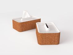 Plate Tissue is one of Liu Kejia's most recent design accomplishments. The entire design is constructed of two materials: cork and white polycarbonate. The reasoning behind these material choices is due to their flexible manufacturing nature, as well as their low cost.