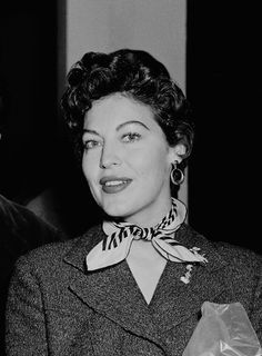 Ava Gardner and Luis Miguel Dominguin Old Hollywood Stars, Classic Hollywood, Ava Gardner Photos, Vintage Glamour, Famous Women, Most Beautiful Women, American Actress, Actresses, Celebrities