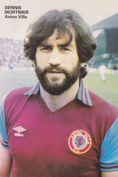 September Aston Villa captain Dennis Mortimer prior to the match against Ipswich Town, at Portman Road. Retro Football, Football Art, Football Players, Super Club, Aston Villa Fc, Ipswich Town, Football Stickers, Best Club, Back In The Day