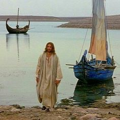 Meet him on the beach ..... make him your friend ... become his disciple and make knew the face of the earth !!!!