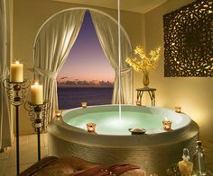 Take in the sunset in style. Relax in Cheeca Lodge & Spa's glorious tub. Romantic Bathrooms, Dream Bathrooms, Beautiful Bathrooms, Luxurious Bathrooms, Small Bathrooms, Bathroom Interior, Modern Bathroom, Master Bathroom, Bathroom Bench