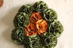 Bouquet ramo de flores de tela en verde musgo y mostaza 606619349 algodondeluna@gmail.com
