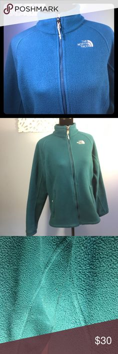 ✨The North Face Fleece Jacket✨ North Face Fleece Jacket .. band around the waist.. Beautiful Greenish color! Used condition.. Shows signs of pilling.. super warm!!! Jackets & Coats