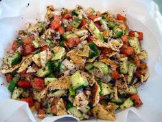 My fav salad! Fatoush is a traditional Lebanese salad made with ripe tomatoes, cucumbers, romaine lettuce, Salad Recipes, Vegetarian Recipes, Cooking Recipes, Healthy Recipes, Cooking Games, Oven Recipes, Cooking Videos, Bon Appetit, Lebanese Recipes