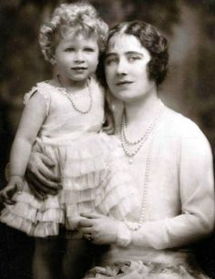 Princess Elizabeth (Queen Elizabeth II) & The Queen Mother, Queen Elizabeth I Elizabeth Queen, Prinz Philip, Reine Victoria, Royal Life, English Royalty, Queen Of England, Queen Mother, Herzog, British Monarchy