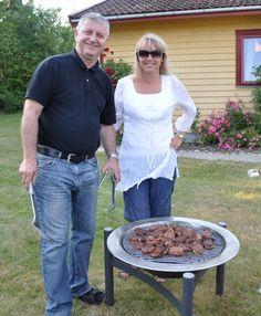 Herr og Fru Ternowitz i full sving med grilling.
