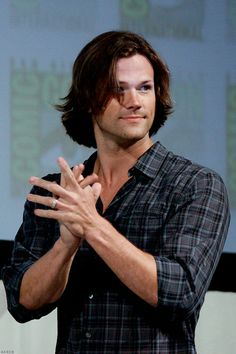 """ilikaicalie: """"wellcometothedarkside: """"♡o。.(✿ฺ。 ✿ฺ) """" I think this is one of the best photos of Jared. It highlights all his best qualities, his broad shoulders, his tiny waist , his gorgeous hair, his..."""