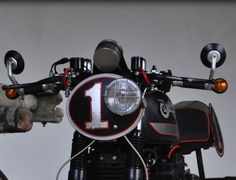 cafe headlight idea Cafe Racer Headlight, Shape Design, Old School, Honda, Motorcycle, Bike, Cars, Cool Stuff, Vehicles