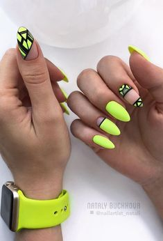 Neon nails – the flagship and colorful trend of summer 2019 – neon nail art Neon Yellow Nails, Yellow Nails Design, Neon Nail Art, Yellow Nail Art, Neon Nails, My Nails, Bright Nails, Acrylic Nail Designs, Nail Art Designs