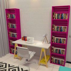 19 Jaw Dropping Furniture Made Of Crates – HomelySmart - Dekoration Ideen Home Office Decor, Diy Furniture, Home Furniture, Crate Bookshelf, Home Decor, Home Deco, Furniture Making, Home Diy, Pallet Furniture