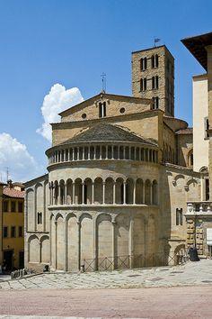 ) Santa Maria della Pieve