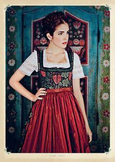 Traditional dirndl by desinger Lena Hoschek (source: dirndlmag.de)