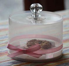 Tutorial de bandeja para pastas de snickerdoodlecreations. Con una caja de cds.