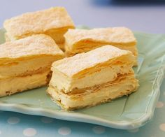 From a French vanilla custard slice & our Australian vanilla slice recipe to mille feuille and an easy chocolate custard slice, these creamy recipes are a must-try! Custard Slice, Vanilla Custard, Profiteroles, Square Cake Pans, Cannoli, French Vanilla, Cookies Et Biscuits, Tray Bakes, Sweet Recipes
