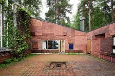 Alvar Aalto Sample House    The architect's own weekend home, the facade was composed of many experiments with different bricks and different patterns of masonry.