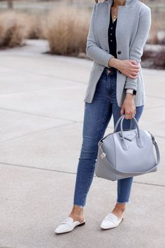 Casual chic – sweater blazer + loafer mules