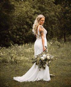 Morsiamella upea Lillian Westin pitsinen sifonkihelmainen häämekko. Kuva Anette Sundström Photography. Wedding Dresses, Fashion, Bride Dresses, Moda, Bridal Gowns, Alon Livne Wedding Dresses, Fashion Styles, Wedding Gowns, Wedding Dress