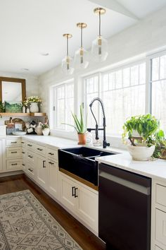 Growing plants indoors is an easy way to boost your home's interior and bring life to a space. Learn common mistakes to avoid for proper indoor plant care. Farmhouse Style Kitchen, Home Decor Kitchen, Rustic Kitchen, Farmhouse Decor, Farmhouse Ideas, Kitchen Ideas, Growing Plants Indoors, Island, Indoor Plants