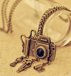 $2.99 Vintage Antique Bronze Camera Pendant Chain Necklace at Online Jewelry Store Gofavor