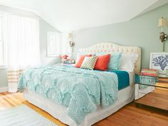 House Tour and Tips From Renovation Professionals | Interior Design Styles and Color Schemes for Home Decorating | HGTV