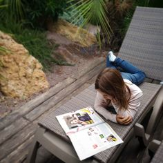 """Son premier magazine """"ado"""" pour ma petite fille qui adore @Louane. Ça commence à cette minute la preadolecence ? #ellegranditsivite #monbebe #love #fan #louane #latoisondor #ramatuelle #instakids #kid #8ans #loveher #relax #picoftheday #photoofday #maman #mum #famille"""