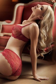 Dangerous Curves Ahead! These Vixens Have Bodies to Kill For - Spikey
