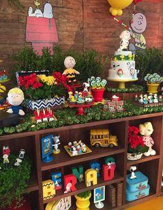 Olha que perfeição esta Festa Snoopy!!Imagens Maria Exibida Comemorações.Lindas ideias e muita inspiração!Bjs, Fabíola Teles.Mais ideias lindas: Maria Exibida Comemorações.Instagram: ...