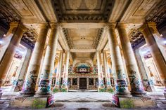 This abandoned Michigan train station is hauntingly beautiful. What was once an iconic part of the Detroit area, now stands forgotten. Abandoned Detroit, Abandoned Buildings, Abandoned Places, Abandoned Mansions, Stonehenge History, Michigan Tourism, Michigan Vacations, Michigan Usa, Abandoned Train Station