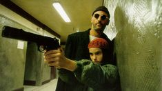 """20 photos from the making of """"Léon: The Professional"""" (1994), featuring Jean Reno, Natalie Portman, Gary Oldman, and writer/director Luc Besson - Imgur"""