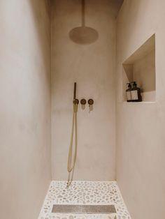 Bad Inspiration, Bathroom Inspiration, Rustic Loft, Interior Minimalista, Bathroom Interior Design, Bathroom Designs, Bathroom Trends, Home Design Plans, House Design