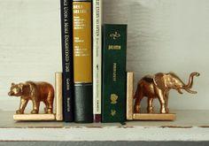 Нестандартни животински подпорки за книги