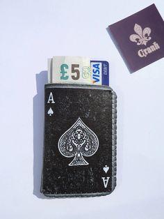 For the poker player in your life #poker #facebook http://www.cartelpoker.com/freechips/