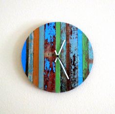 Rustic Chic Wall Clock Barn Wood Decor Unique Clock Home and Living Home Decor Deocr and Housewares Unique Gift Cool Clocks, Unique Wall Clocks, Clock Art, Diy Clock, Unique Furniture, Painted Furniture, Pallet Clock, Barn Wood Decor, Home Design Living Room