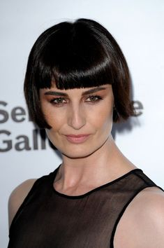 Erin O'Connor Photo - The Serpentine Gallery - Summer Party - Arrivals #ErinOconnor #Bangs #Bobbed