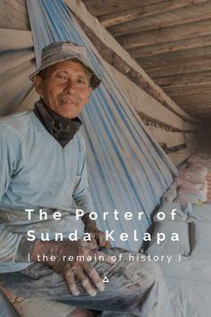 The Porter of Sunda Kelapa. #stellerid #indonesia #wonderfulindonesia #sundakelapa #jakarta #batavia