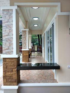 บ้านชั้นเดียว สไตล์โมเดิร์น สไตล์ร่วมสมัย ขนาด 2 ห้องนอน งบประมาณ 700,000 บาท - บ้านถูกดี House Front Wall Design, Village House Design, Kerala House Design, Modern Bungalow House Design, Modern Small House Design, Minimalist House Design, My House Plans, Bedroom House Plans, One Storey House