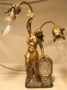 Schadow & Son New York Art Nouveau Clock Lamp : Lot 1037