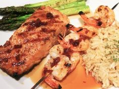 This Copycat Red Lobster Maple-Glazed Salmon and Shrimp is a decadent, yet incredibly easy meal for anyone to make in their home kitchen. This copycat Red Lobster recipe is all about the glaze recipe added to the salmon and shrimp. Top Secret Recipes, Shrimp Recipes, Salmon Recipes, Eel Recipes, Lobster Recipes, Restaurant Recipes, Dinner Recipes, Salmon And Shrimp, Red Lobster Salmon Recipe