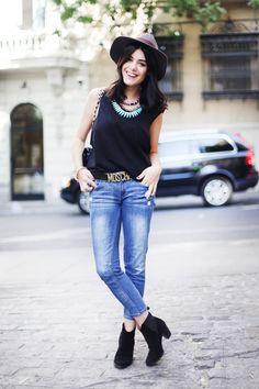 fashionedinstreets:  follow http://fashionedinstreets.tumblr.com/ for more street fashion.  http://afashionlines.tumblr.com/