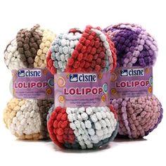 Fio Cisne Lolipop é um fio com mini pompons unidos diretamente um ao outro, pode ser tricotado com os dedos, trançado ou amarrado, Usado para acabamento.