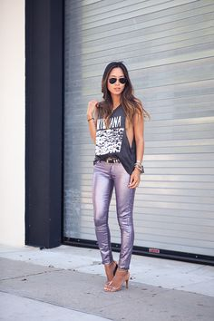 Aimee from Song of Style rockin' awesome purple metallic pants. Song Of Style, My Style, Metallic Jeans, Silver Jeans, Concert Wear, Daily Fashion, Rock Fashion, Style Fashion, Winter Fashion
